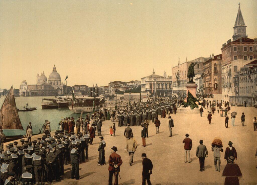 Riva degli Schiavoni tra il 1890 e il 1900 (Wikimedia Commons)