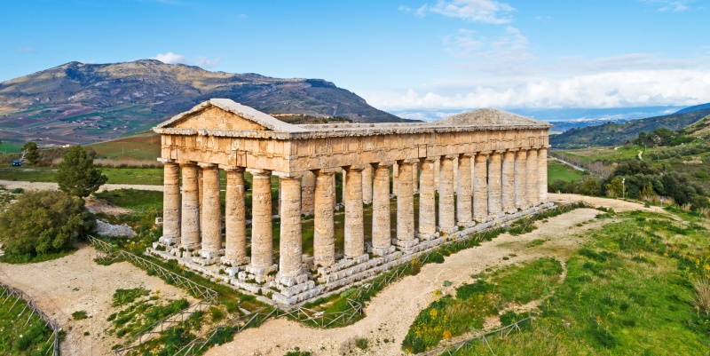 Templi e vestigia greche: il tempio di Segesta