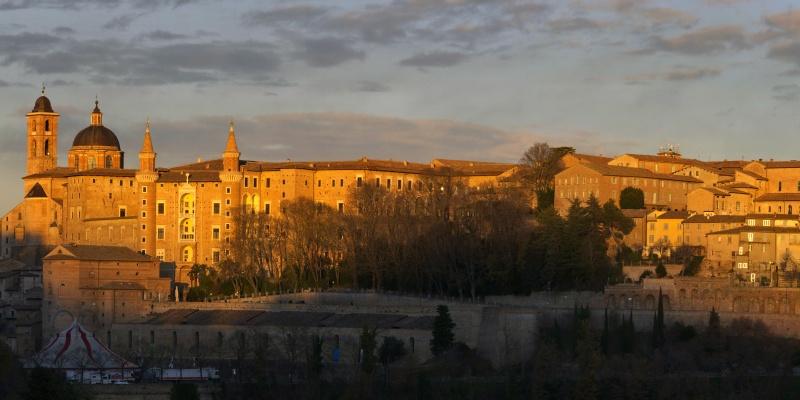 """Il viaggio in Italia di Giovanni Comisso: Urbino """"ventosa"""""""
