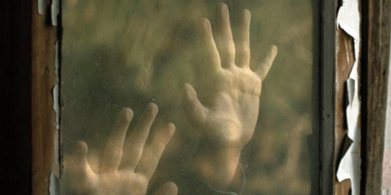 """""""Madre, sono qui"""": l'eternità transitoria in """"Teodoro"""" di Melissa Magnani"""